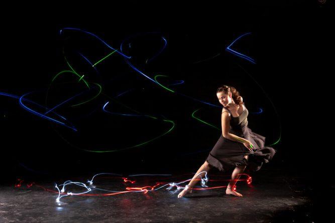 Lightpainting-dancer2