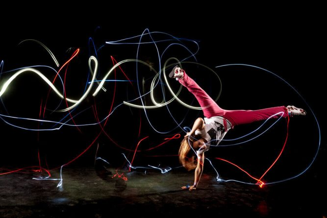 Lightpainting-dancer1